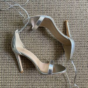 Silver Lace up Heels Size: 7